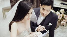 Ngọc Lan cùng chồng Thanh Bình rạng rỡ đi thử váy cưới