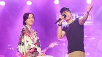 Đinh Mạnh Ninh tình tứ tập hát cùng diễn viên Hàn Quốc Han Min Chae