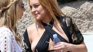 Bạn sẽ sốc khi thấy phong cách thời trang hiện tại của Lindsay Lohan
