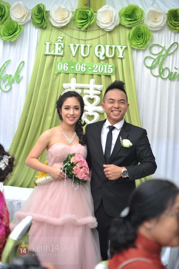 Cô dâu Hồng Anh xinh đẹp, rạng rỡ trong ngày cưới.