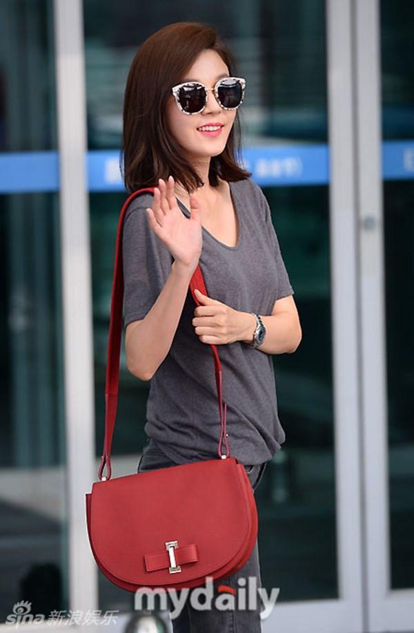 Kim Ha Neul đẹp ngỡ ngàng ở tuổi 38