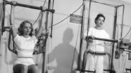 Kiểu tập gym nóng bỏng của quý bà 80 năm trước