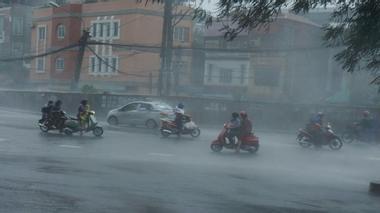 Miền Bắc đón khí lạnh, mưa khắp nơi