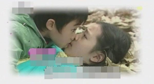 Sao nhí, sao teen Hàn gây sốc vì những cảnh quay nhạy cảm trong phim
