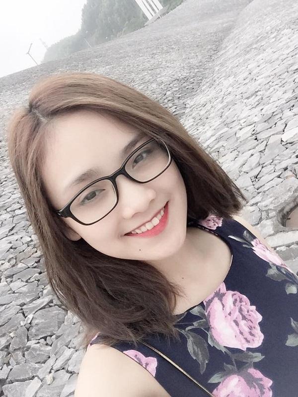 Gương mặt vẫn đẹp không thể chê khi selfie. Trước khi thi HH Việt Nam 2016, cô nàng này từng đăng quang Hoa khôi Thái Nguyên 2012.