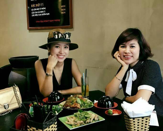 Thanh Vân hugo đi ăn uống cùng bạn
