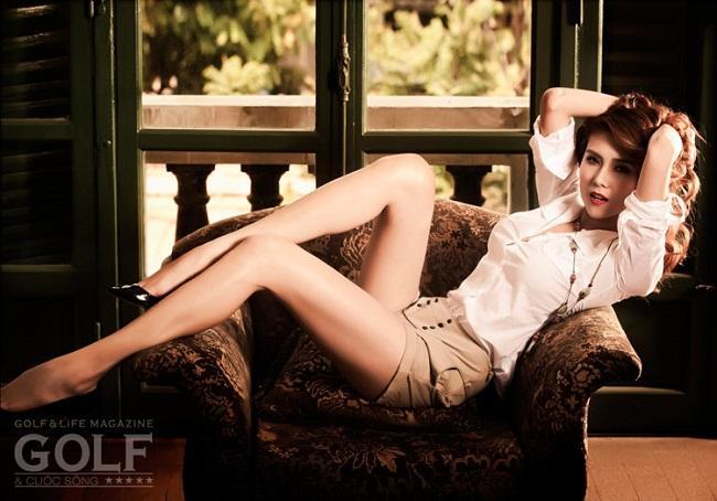 Võ Hoàng Yến được đánh giá là một siêu mẫu đẳng cấp thực thụ. Sở hữu đôi chân nuột nà, thẳng tắp, mỗi khi Hoàng Yến xuất hiện ở đâu, nhiều người đều phải trầm trồ và ghen tị với... đôi chân của người đẹp.