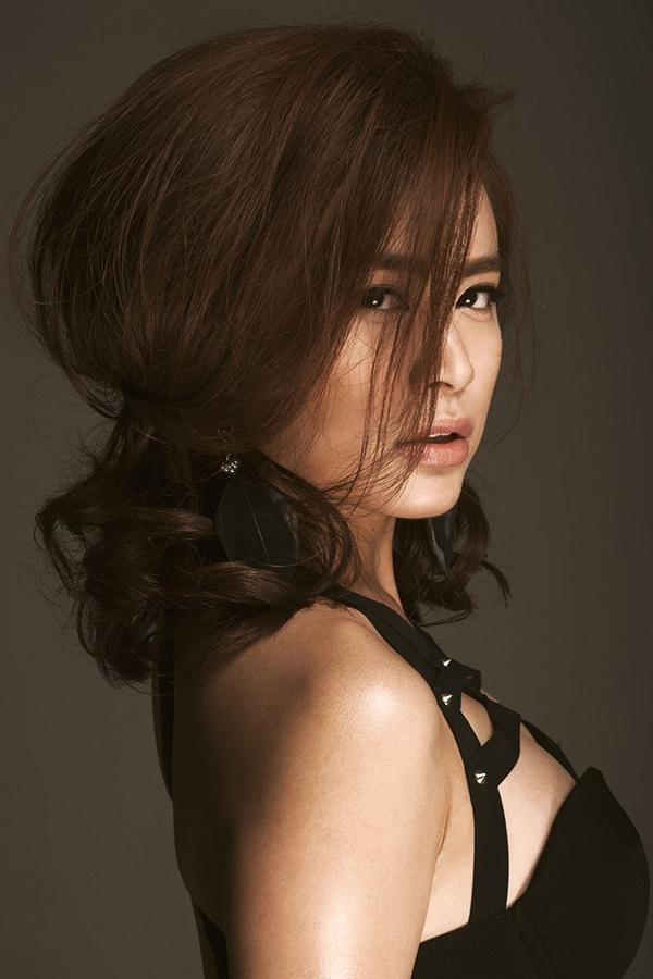 Hoàng Thùy Linh quyến rũ, đụng độ top 4 Vietnam's Next Top Model - hình ảnh 5