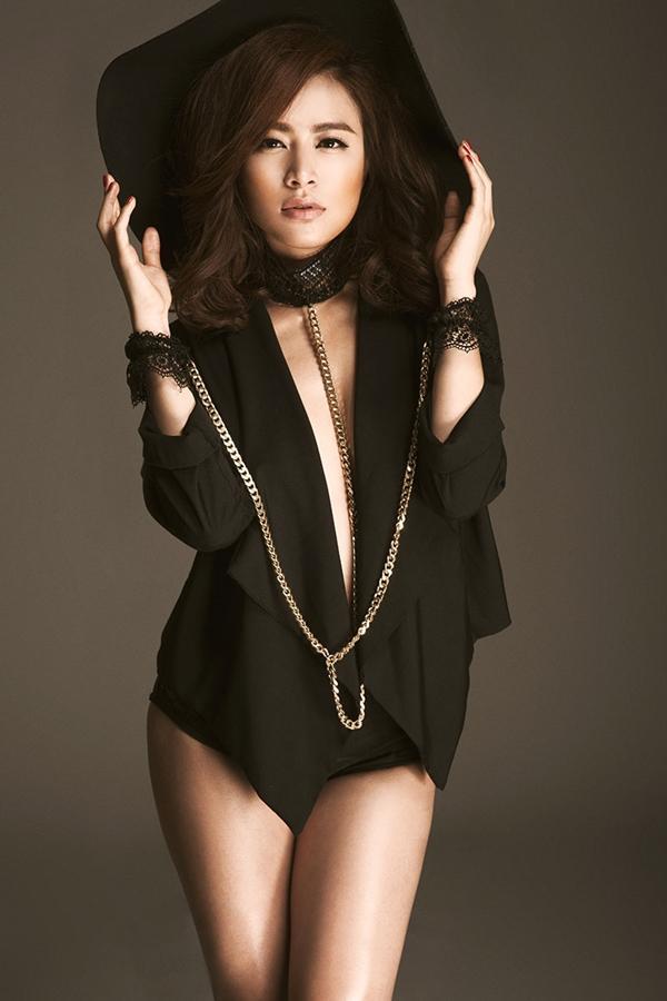 Hoàng Thùy Linh quyến rũ, đụng độ top 4 Vietnam's Next Top Model - hình ảnh 7