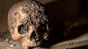 Kinh hoàng người mẹ giữ xác con trai trong nhà suốt 8 năm