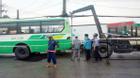 """Xe buýt sụp """"hố tử thần"""" ở Sài Gòn, hành khách khóc thét"""