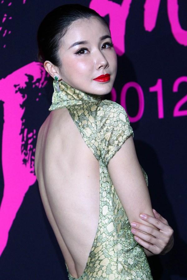 Đệ nhất mỹ nữ cổ điển Hoa ngữ tan tành sự nghiệp vì thẩm mỹ và scandal - Ảnh 6.