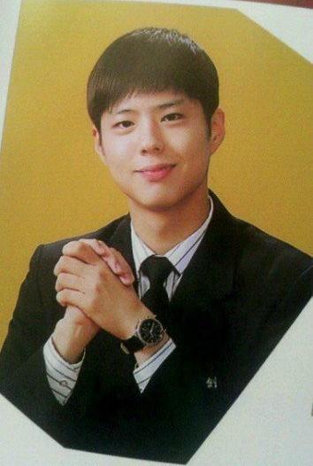 Park Bo Gum - Từ cậu bé khốn khó đến anh chàng 'người gặp người yêu, hoa gặp hoa nở'