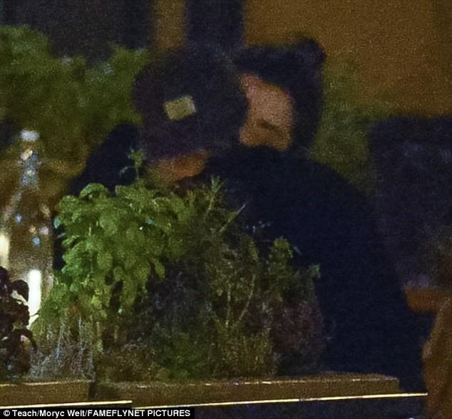 Kristen Stewart có bạn gái mới