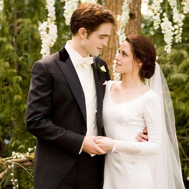 Robert Pattinson và hôn thê hoãn cưới vì Kristen Stewart?