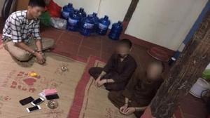 Sư chùa ở Thái Nguyên đánh bạc với ba cô gái trong đêm