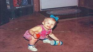 Cơn ác mộng của cô bé 3 tuổi bị cha mẹ cưỡng hiếp, tra tấn, nhốt trong tủ quần áo suốt 5 năm