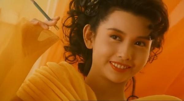 'Nữ thần gợi cảm' màn ảnh Hong Kong thập niên 90 giờ ra sao?