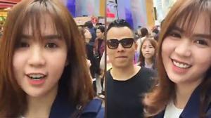 """Ngọc Trinh livestream """"khoe"""" chuyến đi Hàn Quốc cùng ekip"""