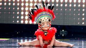 Thần đồng 5 tuổi Tin Tin giành giải Quán quân với điệu nhảy sexy thiếu vải
