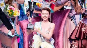 Chia sẻ của Ngọc Duyên – con gái người bán vé số đăng quang Nữ hoàng sắc đẹp toàn cầu 2016