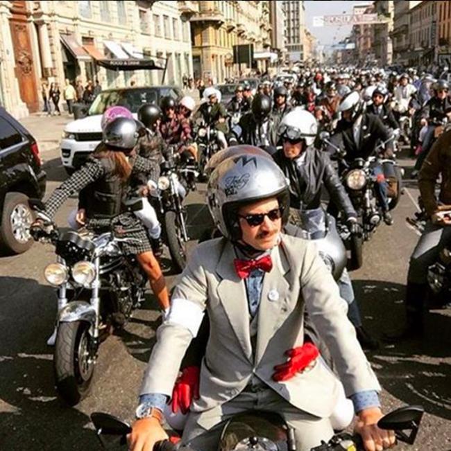 Mặc suit đi motor: Một phong cách vừa ngầu lại vừa lịch của các chàng - Ảnh 3.