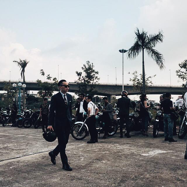 Mặc suit đi motor: Một phong cách vừa ngầu lại vừa lịch của các chàng - Ảnh 5.