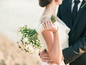 """Tâm sự của những người phụ nữ """"nhịn"""" yêu chờ ngày cưới"""