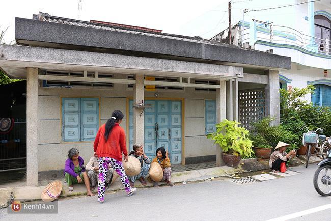 Người dân tấp nập đến nhà lão nông trúng 92 tỷ xin từ thiện - Ảnh 6.