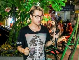 Bảo vệ ra nhắc nhở Lou Hoàng vì làm loạn phố đi bộ