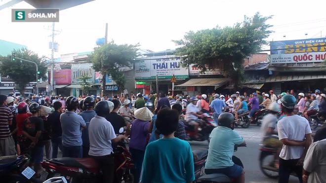 Cụ già 79 tuổi đem xăng tự thiêu giữa đường ở Tiền Giang - Ảnh 1.