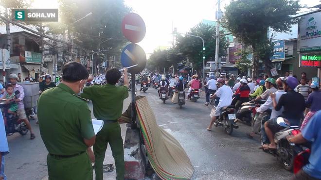Cụ già 79 tuổi đem xăng tự thiêu giữa đường ở Tiền Giang - Ảnh 3.