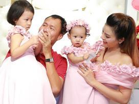 Vợ chồng Vũ Thu Phương lần đầu lộ diện cùng hai công chúa