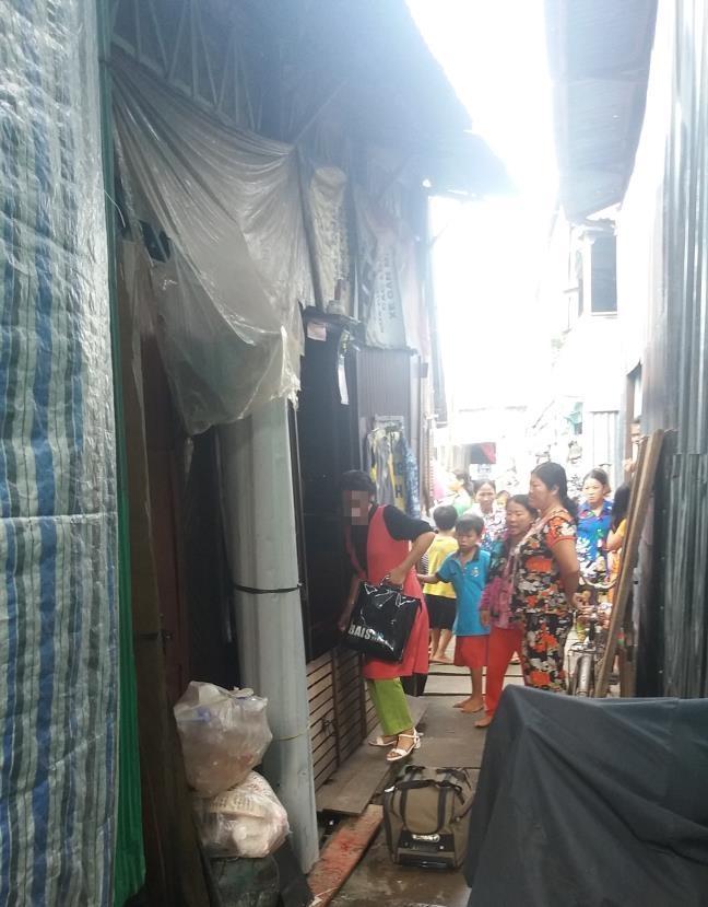 Co dau Viet lac duong o Trung Quoc: Hoang loan phai len chua o vi su dem pha cua hang xom