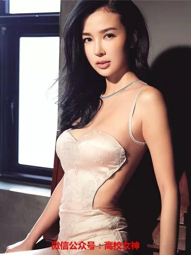 Bộ sưu tập người yêu toàn chân dài siêu xinh của đại thiếu gia giàu có bậc nhất Trung Quốc - Ảnh 6.