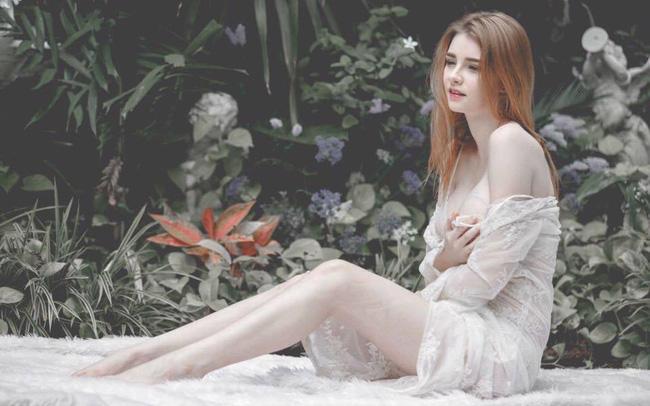 Cô nàng được mệnh danh là nữ thần Thái Lan với vẻ đẹp vừa thoát tục vừa nóng bỏng - Ảnh 2.