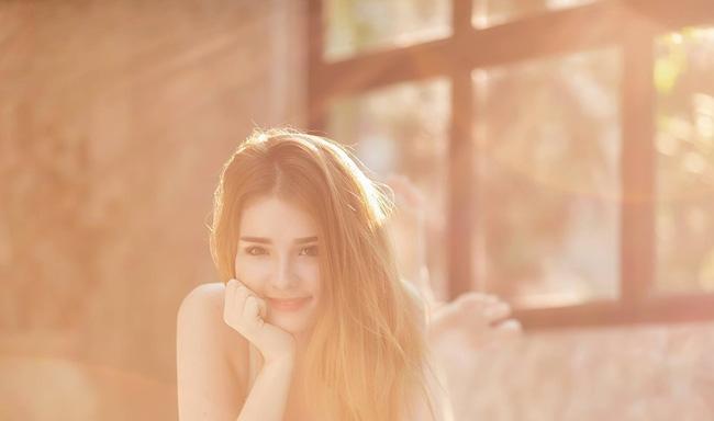 Cô nàng được mệnh danh là nữ thần Thái Lan với vẻ đẹp vừa thoát tục vừa nóng bỏng - Ảnh 8.