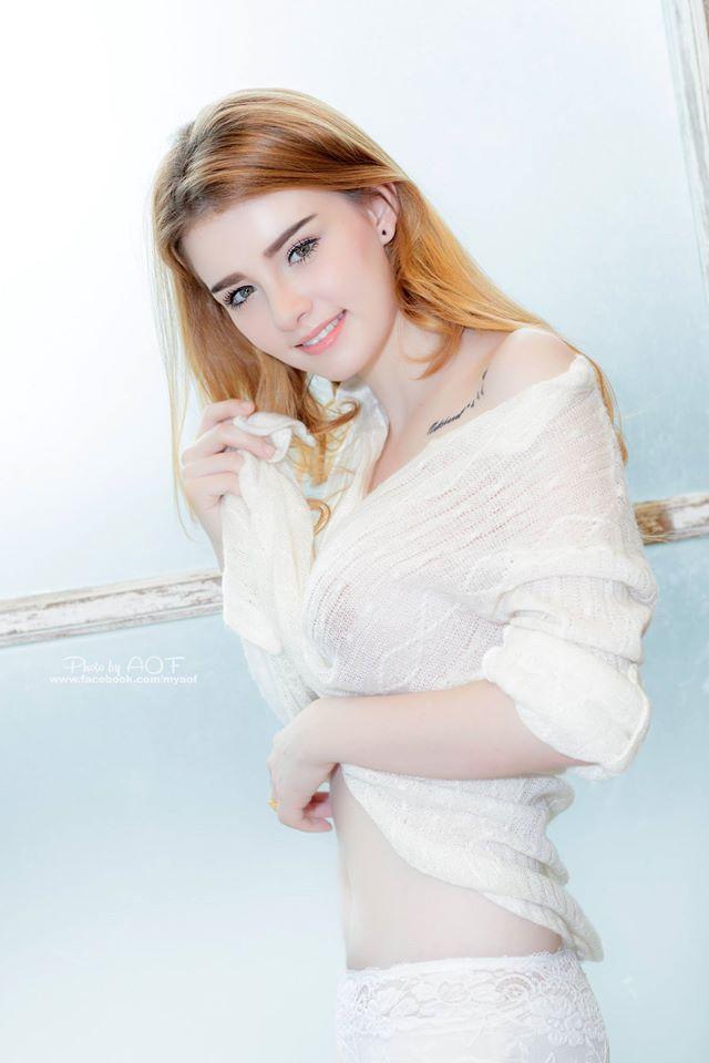 Cô nàng được mệnh danh là nữ thần Thái Lan với vẻ đẹp vừa thoát tục vừa nóng bỏng - Ảnh 10.