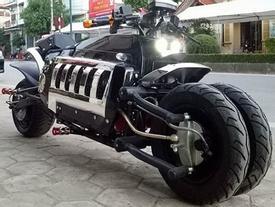 Xế lạ có kiểu dáng Dodge Tomahawk đầu tiên ở Việt Nam