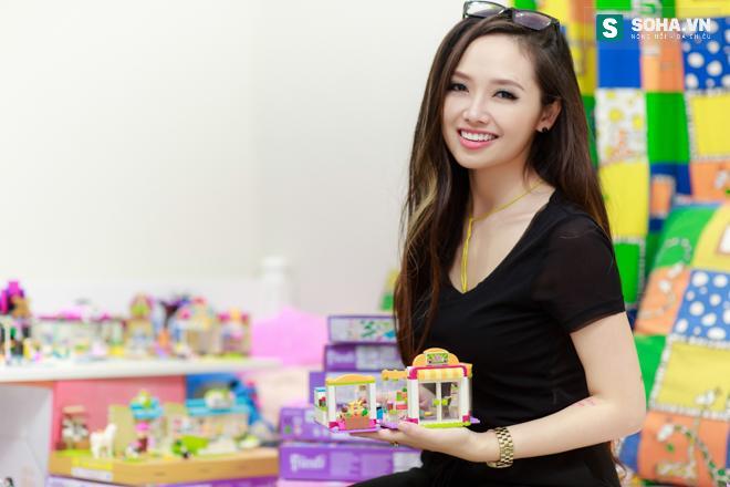 Bố mẹ MC Ngọc Trang sốc khi biết con gái sống cùng chồng chuyển giới - Ảnh 1.