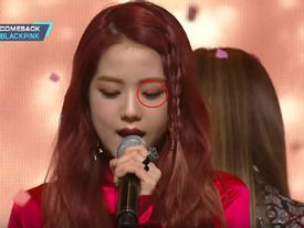 Sau I.O.I, đến lượt Black Pink bị anti-fan chiếu laser vào mắt trên sân khấu