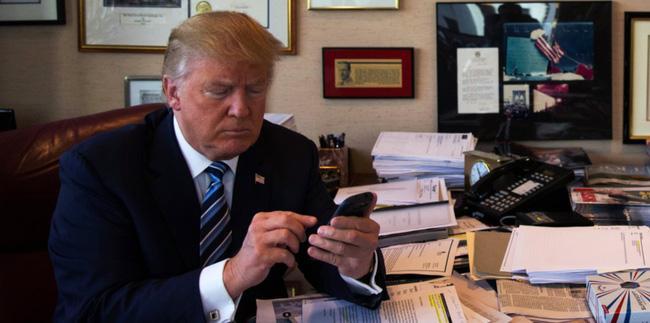 Vì sao Tân Tổng thống Donald Trump cần thay smartphone ngay? - Ảnh 1.
