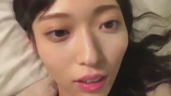Thành viên nhóm nhạc chị em của AKB48 bị nghi quan hệ tình dục khi livestream - Ảnh 1.