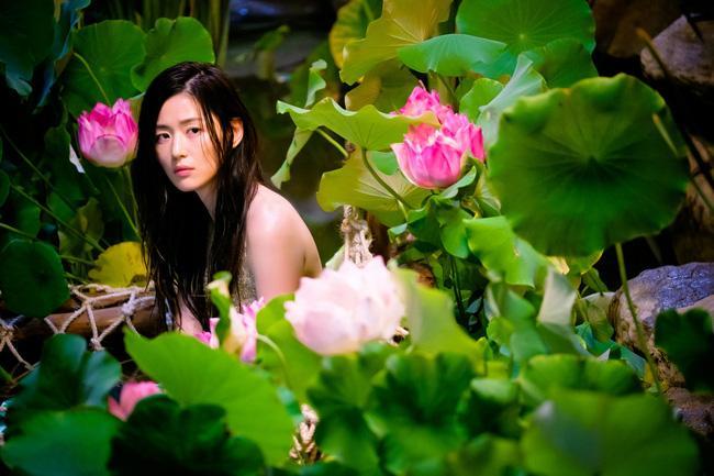 Cặp đôi Huyền thoại biển xanh Jeon Ji Hyun - Lee Min Ho: Đẹp, giàu, đến người yêu cũng khủng - Ảnh 6.