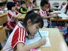 Bị cấm, trường tiểu học vẫn giao bài tập về nhà