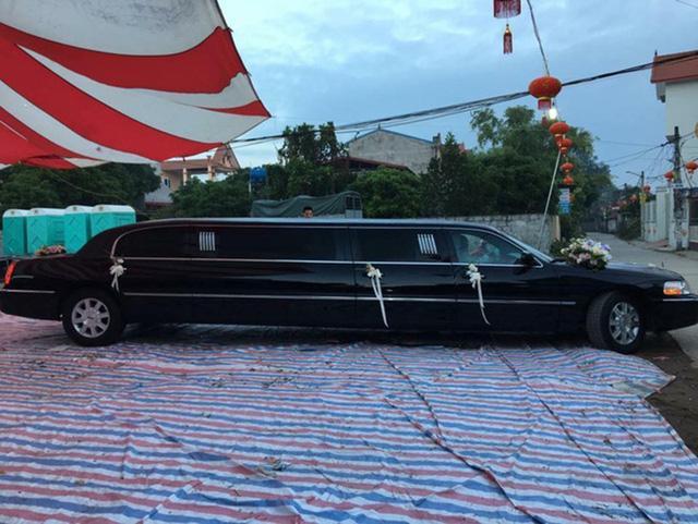 Đám cưới tiền tỉ tại Hưng Yên với xe Limousine đón dâu và phân khối lớn dẫn đường - Ảnh 1.