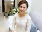MC Mai Ngọc diện áo dài đính 2.000 viên ngọc trai trong lễ ăn hỏi