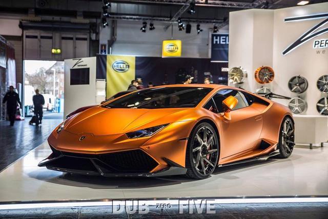 Trong triển lãm xế độ Essen 2016 đang diễn ra tại Đức với hàng chục mẫu xe lạ mắt quy tụ, đáng chú ý có sự góp mặt của chiếc Lamborghini Huracan LP610-4.