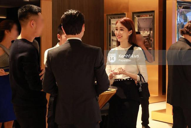Hoa hậu Thu Thảo hạnh phúc đi ăn tối cùng bạn trai sau khi dự sự kiện - Ảnh 1.