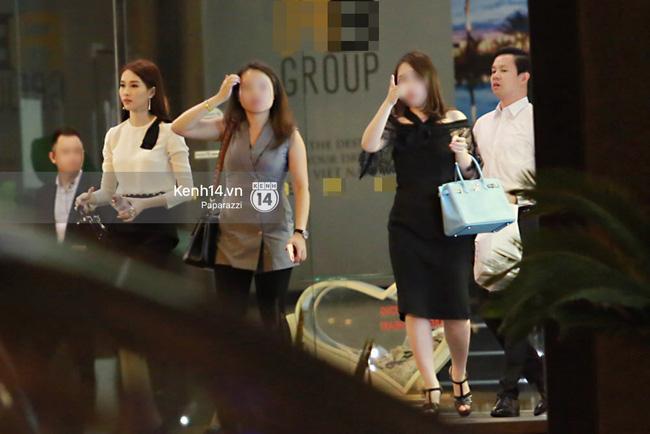 Hoa hậu Thu Thảo hạnh phúc đi ăn tối cùng bạn trai sau khi dự sự kiện - Ảnh 3.
